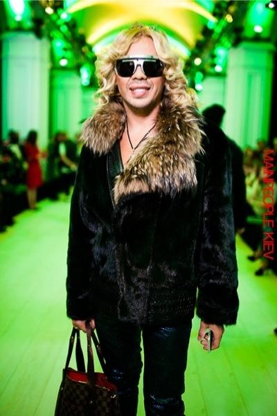 На Украине идет война, а бомонд отрывается на неделе моды в Киеве